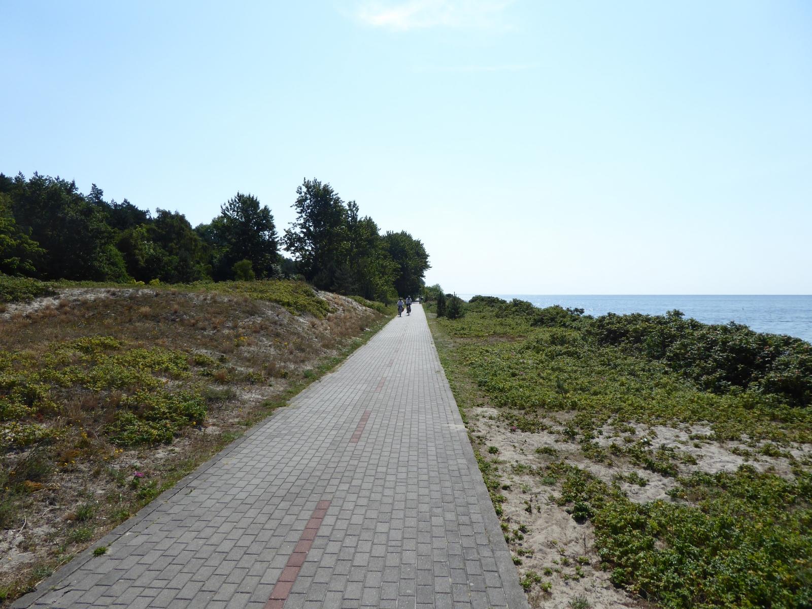 Viele Kilometer lang war der Radweg - wie schon bekannt - längs gepflastert. Dieses Halbinsel hat es in sich, denn die Länge beträgt beträgt noch einmal 35 km.