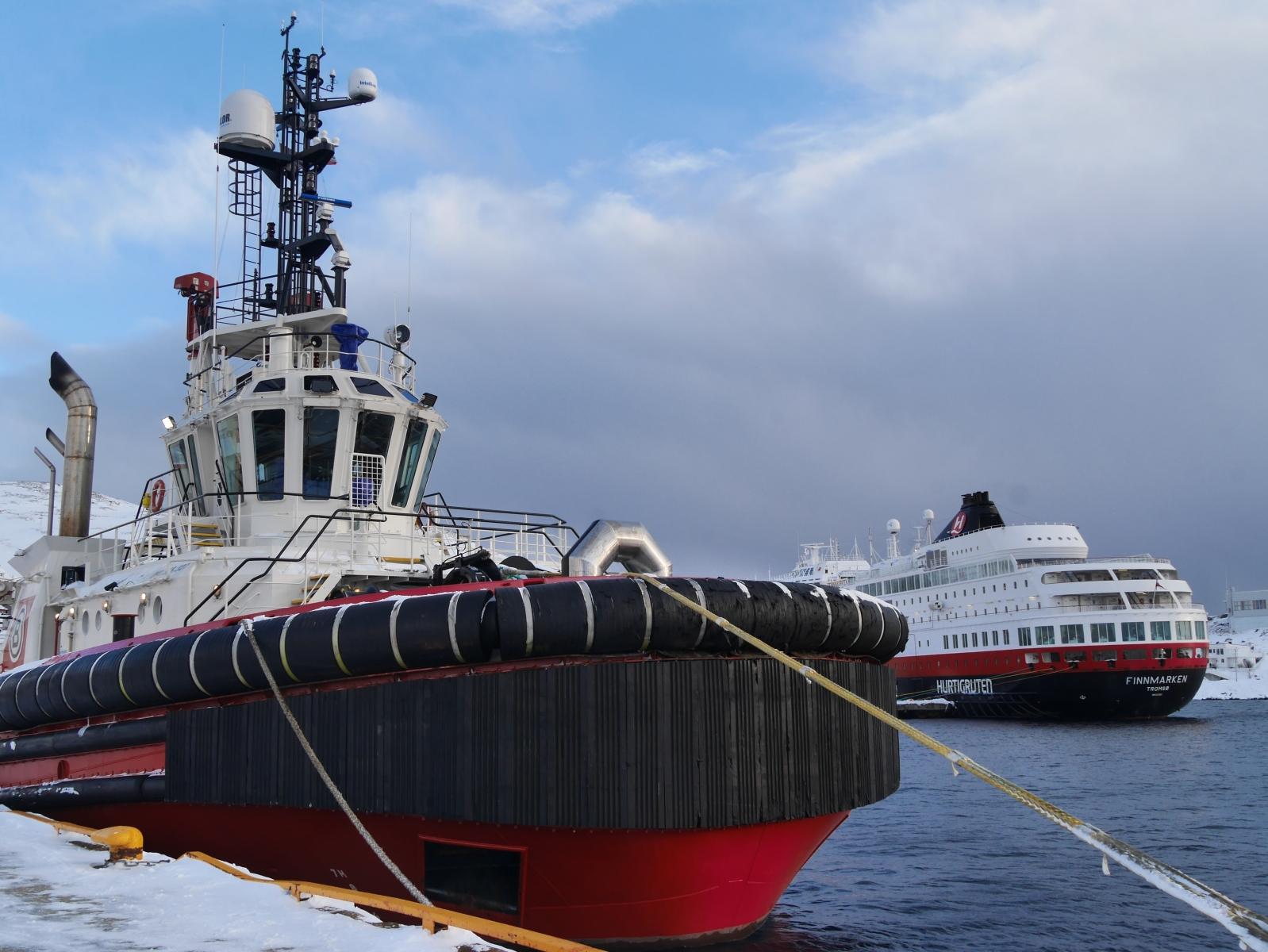 Festgemacht am Hafen von Honningsvag