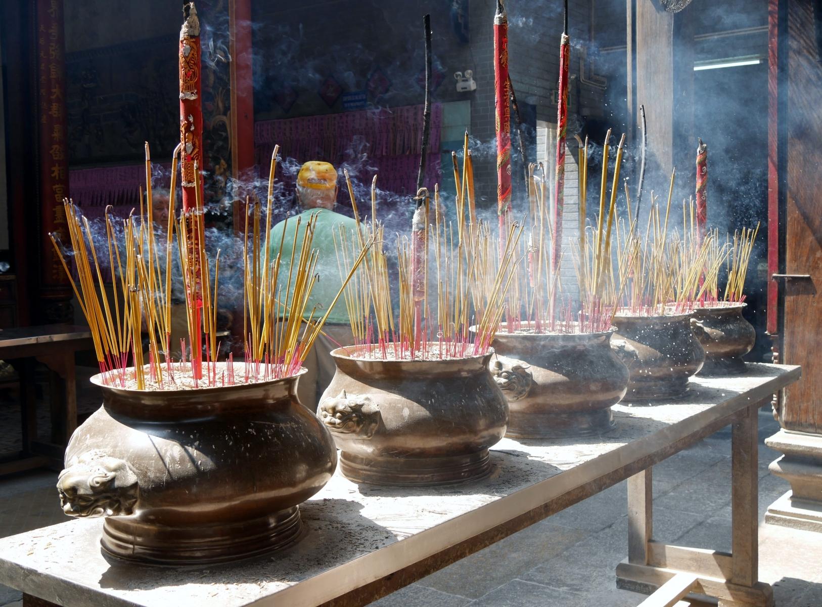 Tempel ohne Räucherkerzen - unvorstellbar