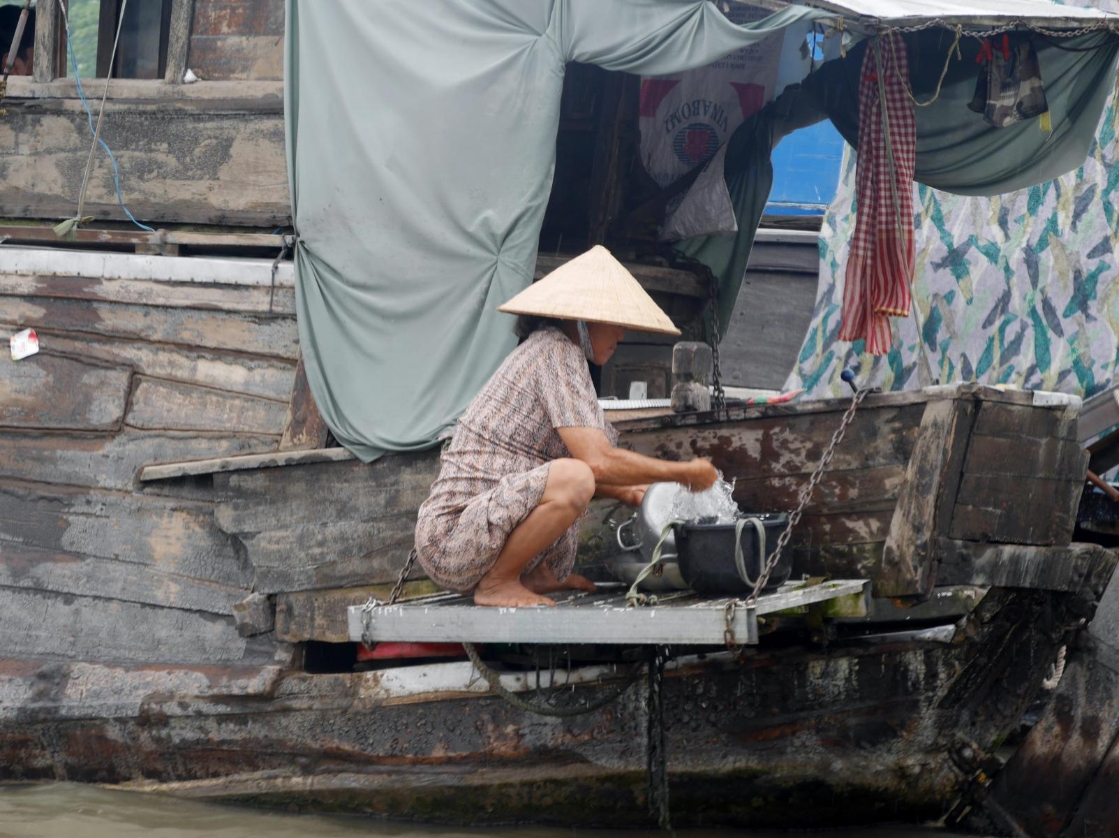 Große Wäsche auf einem Hausboot